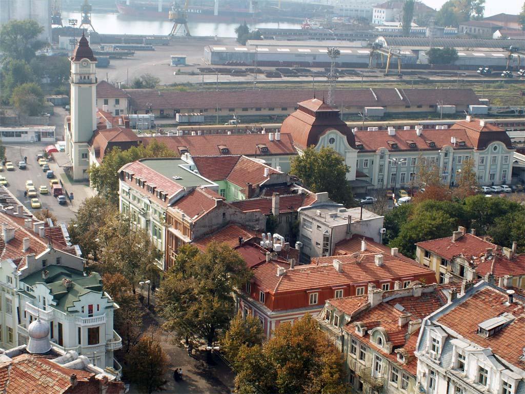 Бургас - гарата и пристанището