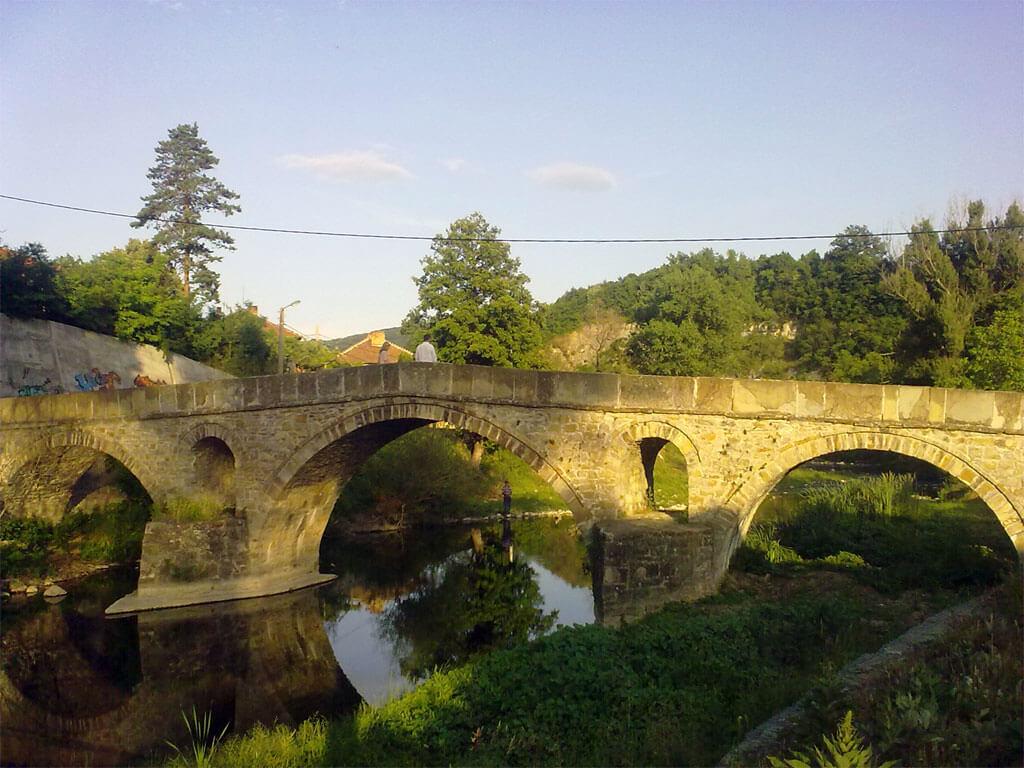 Мостът на Кольо Фичето в родния му град Дряново