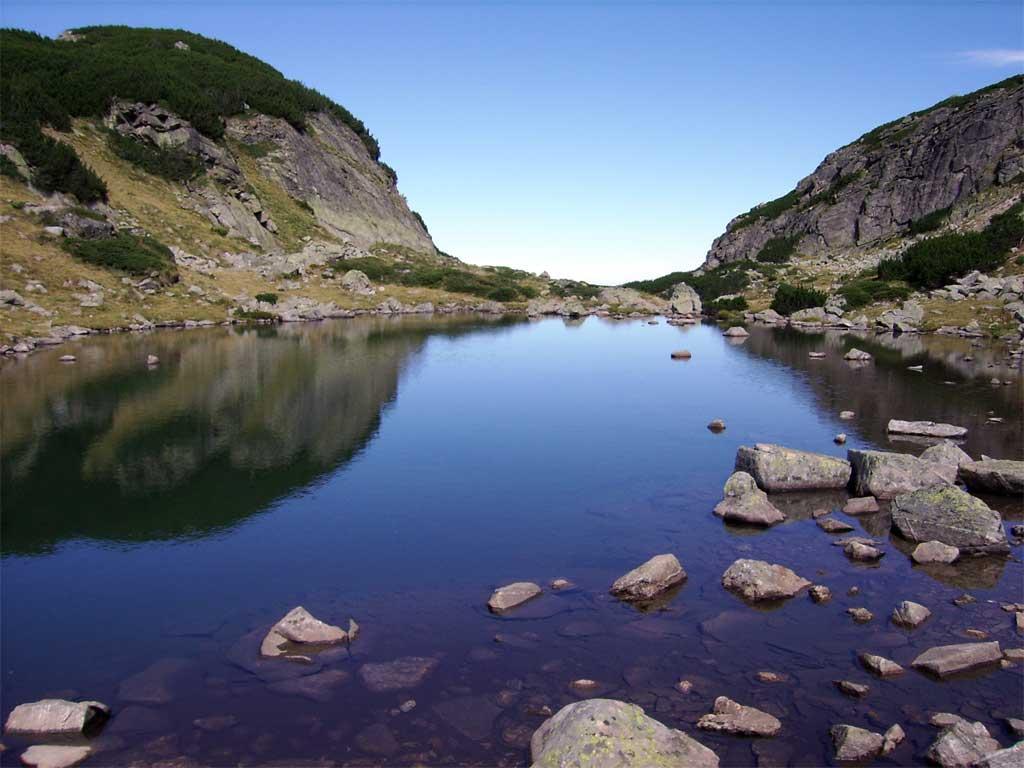 едно от Мальовишките езера - Минералното езеро