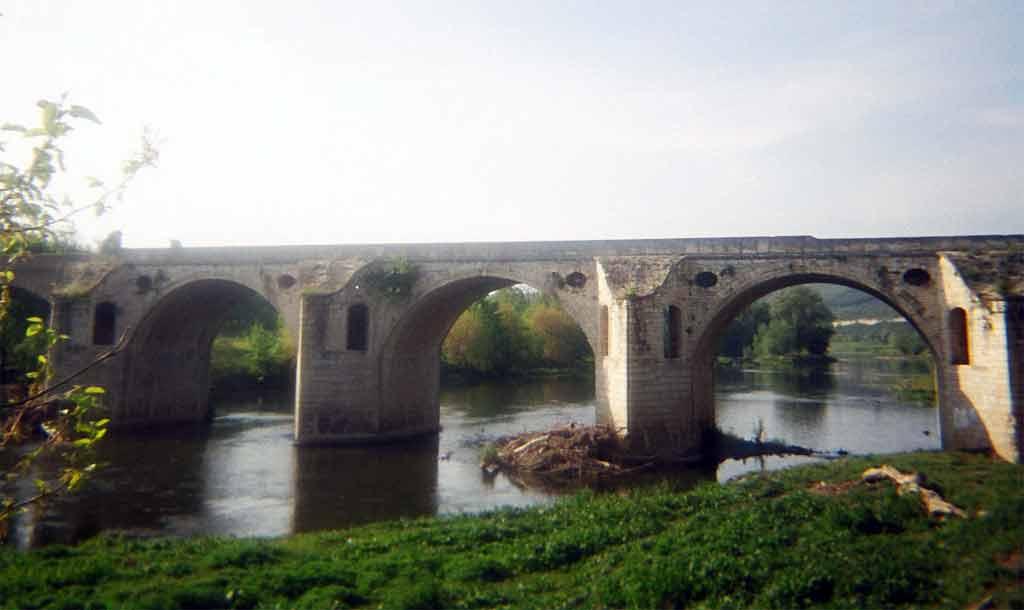 Мостът на Кольо Фичето над Янтра при Бяла