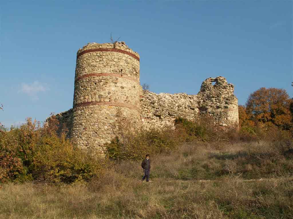 До Свиленград се намира село Мезек най-запазените византийски крепости от VІ век