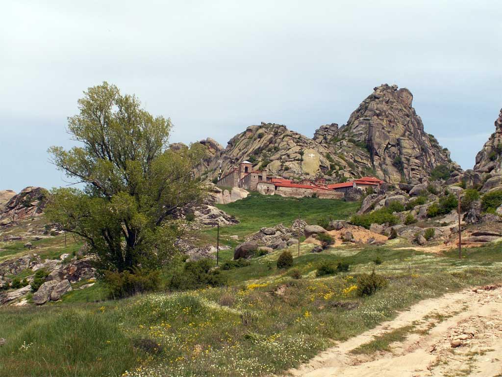Манастирът Трескавец, над Прилеп
