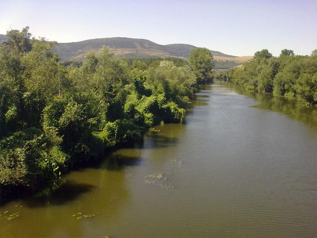 Река Искър при Роман